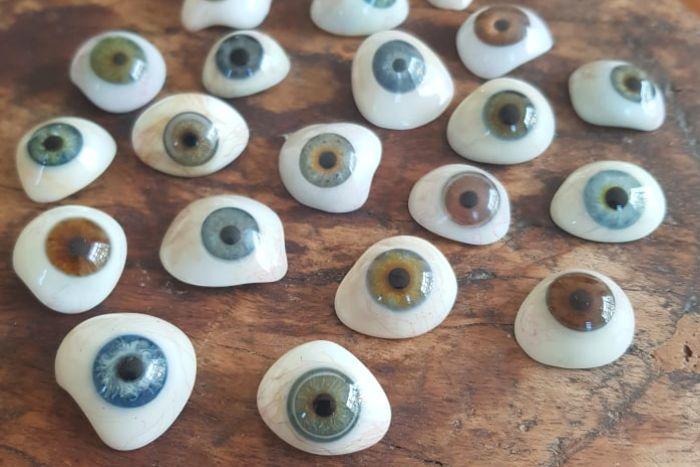 عوامل تأثیر گذار بر روی قیمت چشم مصنوعی